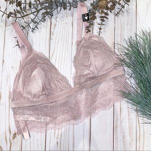 🆕🎁 Victoria's Secret Lilac Bralette